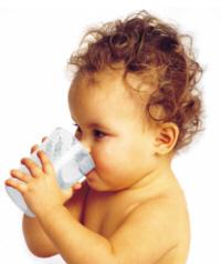 Beber agua daña la salud del bebé