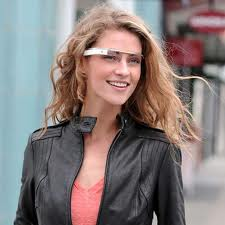 Google inicia venta de prototipo de lentes con internet